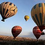 Kapadokya'da Balonlar Kutlu Doğum İçin Havalandı