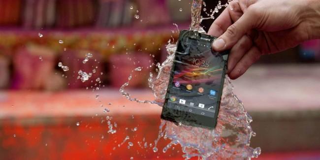 xperia-z-features-durability-water-resistant-1880x940-a23b80b522ebeb90df448bd824e23168